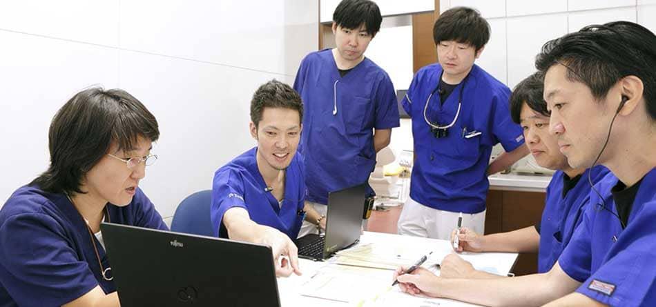 江東区東雲、豊洲の歯医者のキャナルコート歯科クリニック キャナルコート歯科クリニックが選ばれる4つの理由 手術風景
